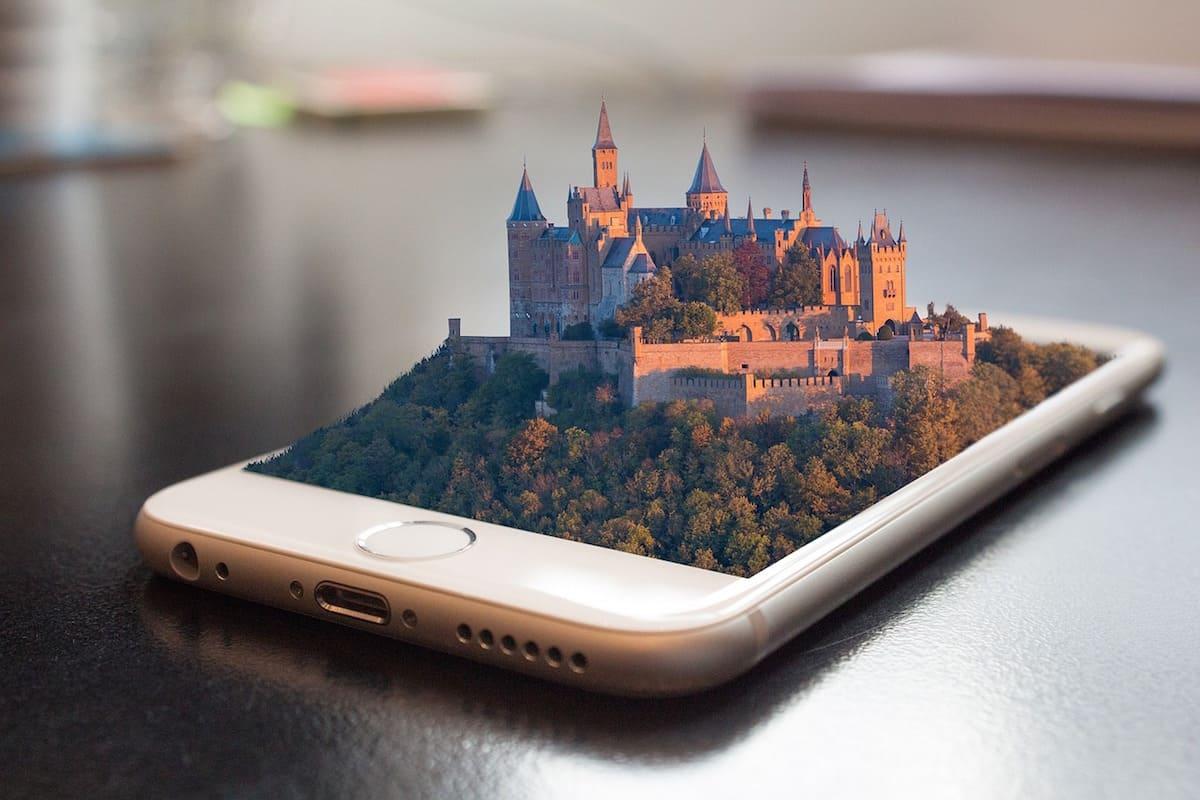 スマートフォンと立体のお城
